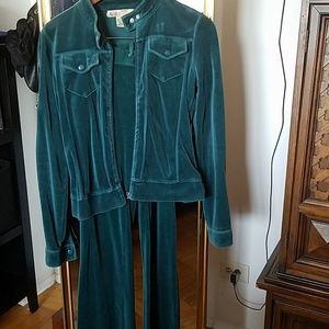 Other - Turquoise velour sweat suit